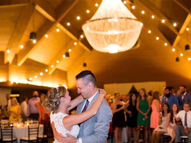 Keaton and Andrew's Keeneland Wedding First Dance